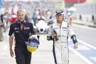 DAASM Absolvent, Oliver Schwengler, mit Nico Rosberg, 2008 beim Grand Prix in Valencia. Photo: Glenn Dunbar/LAT Photographic. (Courtesy of Schlegelmilch).